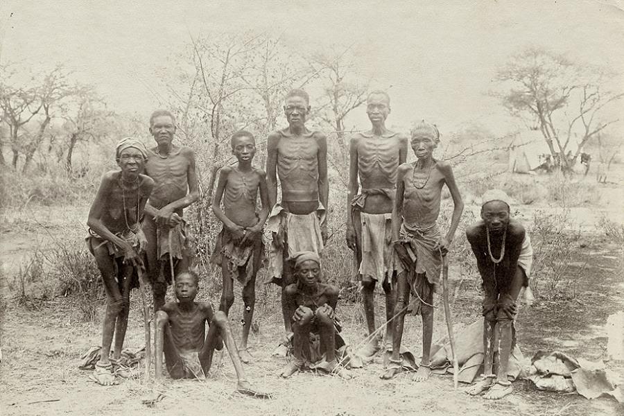 Bir grup Herero, Ağustos 1904