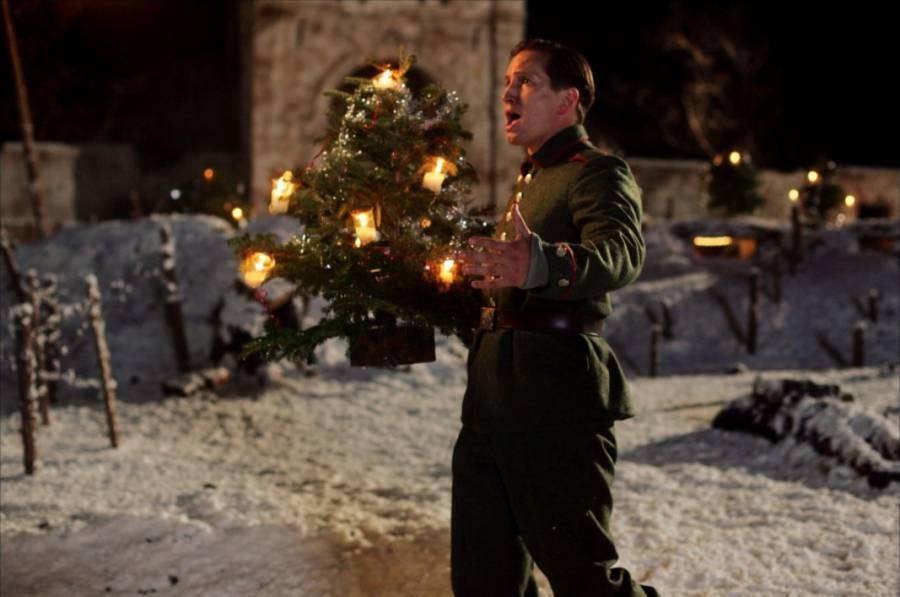 7. Joyeux Noel - Fransız filmi Joyeux Noel; Fransız, İngiliz ve Alman askerlerinin gözünden Birinci Dünya Savaşı Noel ateşkesini anlatıyor.