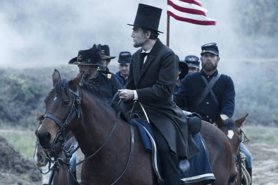 6. Lincoln - ABD Başkanı Abraham Lincoln'ün yaşamının son dört ayını anlatmaktadır.