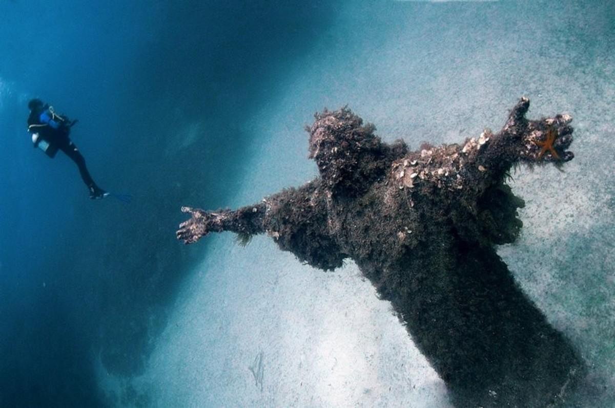 Uçurumun Mesih, San Fruttuoso, İtalya