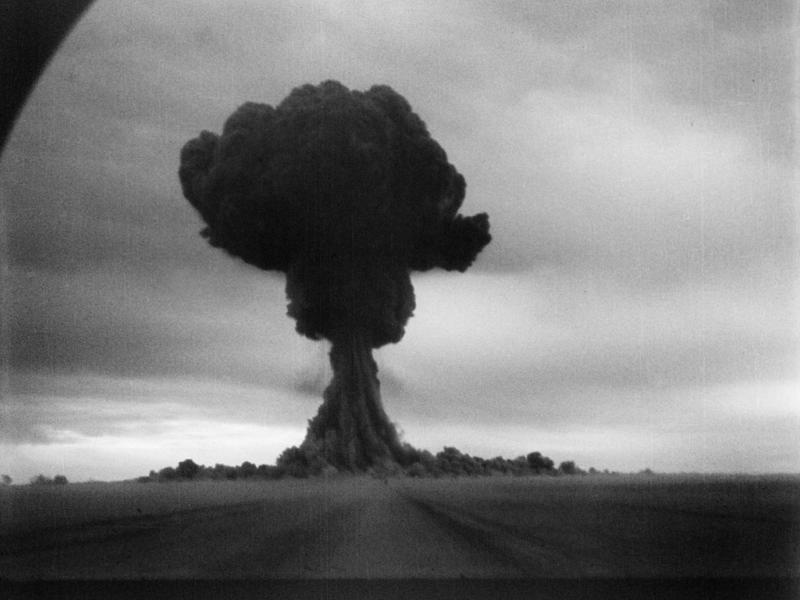 Nükleer Testte Oluşan Bir Mantar - Korkunç Deneyler