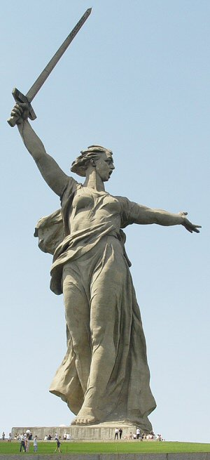 Anavatana Çağrı Heykeli, Volgograd, Rusya
